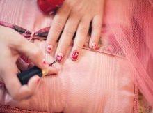 painting-fingernails-635261_640
